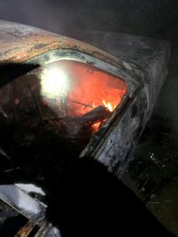 Butykatelepen nemcsak a fa szerkezetű építmény, a mellette lévő autó is égett