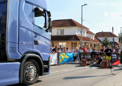 15 tonnás járművet húzott a versenyen Szilágyi Ferenc őrmester.
