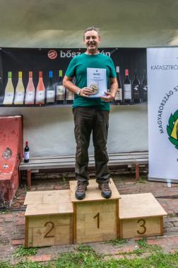 Magyar Csaba, a Szabolcs-Szatmár-Bereg Megyei Katasztrófavédelmi Igazgatóság munkatársa a dobogón áll.